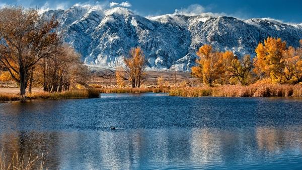 картина Озеро в горах.